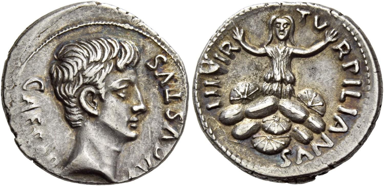 La vestale traditrice sembra implorare pietà, sommersa dagli scudi, su questo bel denario augusteo