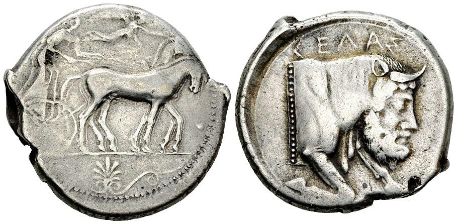Una tetradramma di Gela dal mercato numismatico: pur non eccellente, è molto più leggibile e meglio fotografata di quella finita sul francobollo da 1,10 euro emesso poco tempo fa