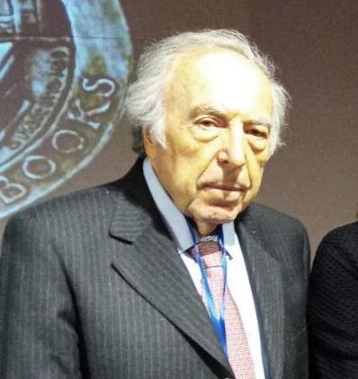 Tra i più eminenti latinisti del nostro paese, il professor Aldo Luisi da molti anni si è avvicinato anche al mondo della numismatica