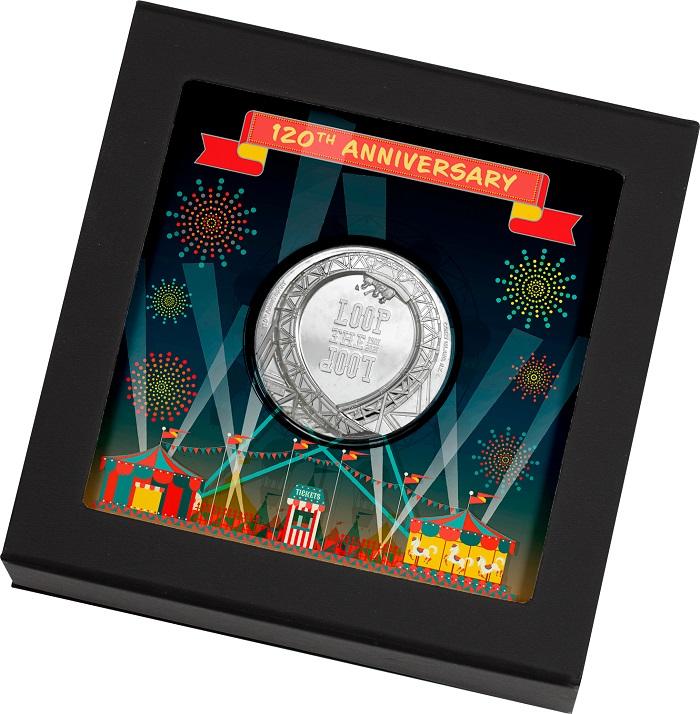 """Colorata e divertente la confezione pensata per la moneta che Cook Island nel 2021 dedicherà al primo """"giro della morte"""" sulle montagne russe"""
