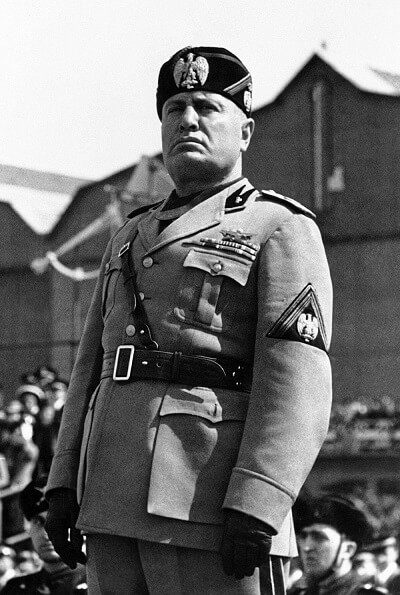 Quello che Mussolini proclama il 9 maggio del 1936 non sarà nè un'impero di pace nè di lunga durata: pochi anni dopo si sgretolerà sotto i colpi delle armate inglesi