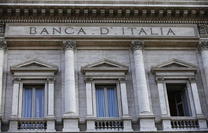 La Banca d'Italia era stata istituita da pochi anni quando, nel 1986, venne emessa la prima versione della 1000 lire Grande M ideata da Rinaldo Barbetti: una banconota che avrebbe fatto epoca in Italia