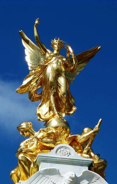 Il Vitoria Memorail di Londra, con la statua che lo sovrasta e le altre che lo decorano alla base, è la fonte di ispirazione per le nuove monete di Saint Helena