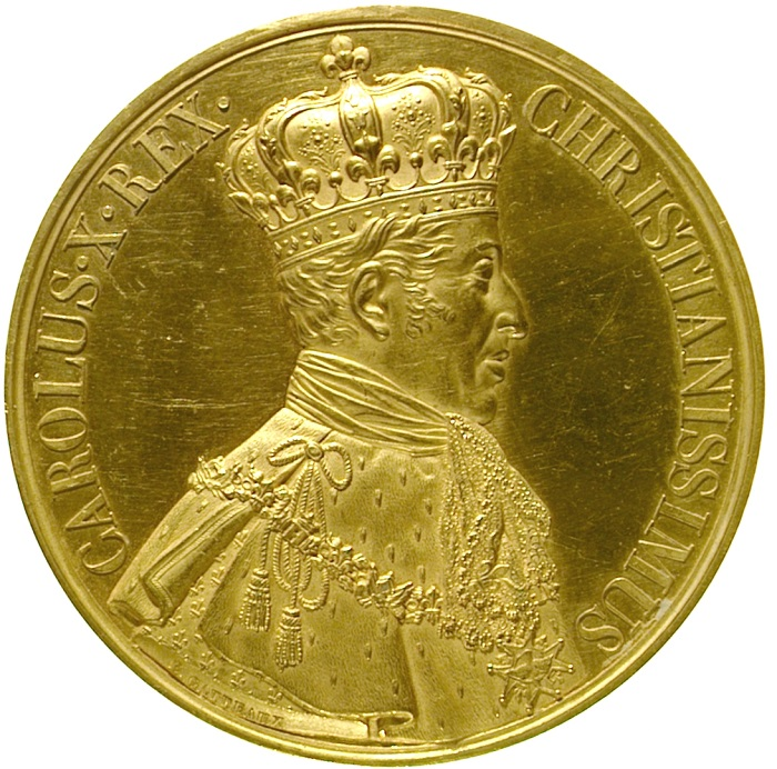 Il raffinatissimo dritto della medaglia d'incoronazione di Carlo X, qui in un rarissimo esemplare in oro: opera dell'incisore Eduard Gatteuax, mostra il sovrano con ermellino e decorazioni