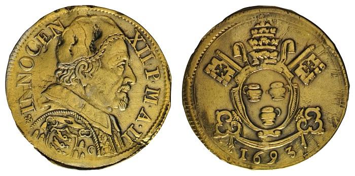 L'ultimo tipo di dodicesimo di scudo avignonese, quello con ritratto e stemma, qui in un particolare esemplare dorato proveniente dalle raccolte della famiglia Pignatelli messo in asta alcuni anni fa dalla Numismatica Paoletti