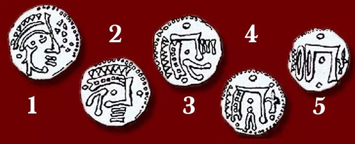 Evoluzione del profilo coronato e dei suoi simboli accessori nei denari di Chartres dall'alto medioevo fino al Trecento
