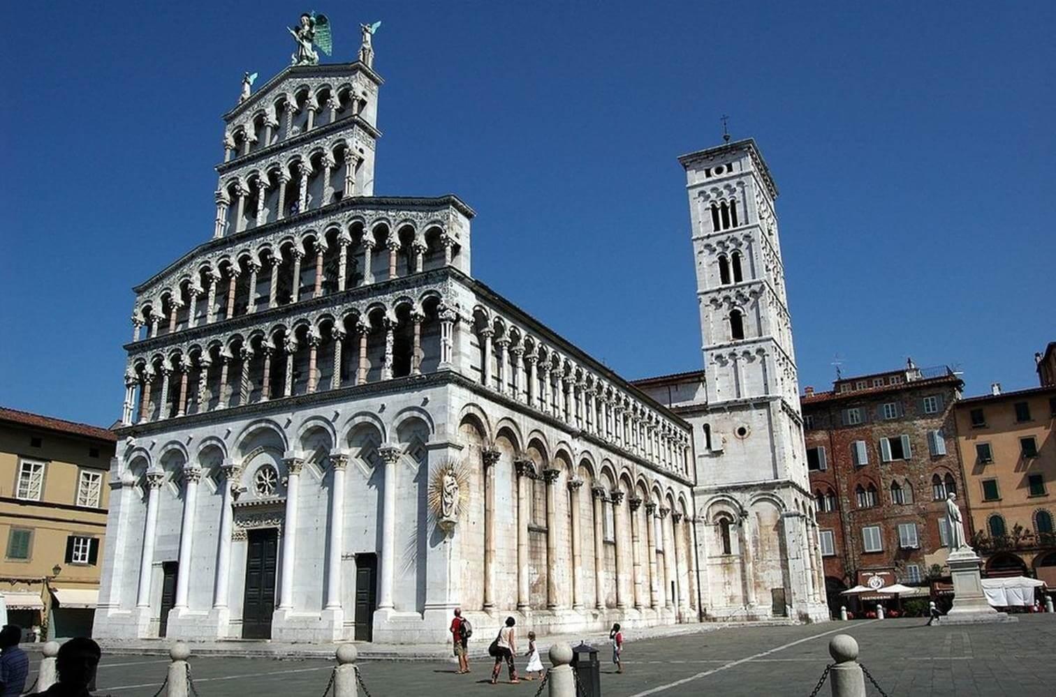 In esilio da Firenze, Dante peregrinò per varie città fra cui Lucca