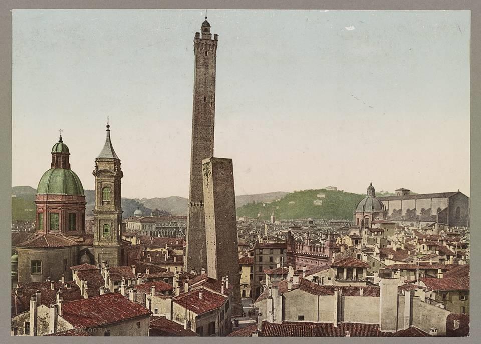 La Bologna di metà XIX secolo è una città ancora fiorente e la nascita della Banca Pontificia per le Quattro Legazioni rappresenta un tentativo di rendere più vitale ed efficiente la circolazione dei capitali