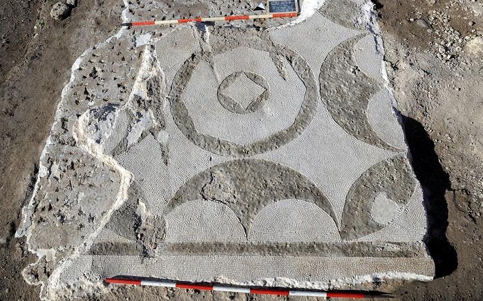 Mosaico di epoca romana dal sito di Santa Marinella: intense campagne di scavo stanno portando notevoli risultati sulla storia di questo insediamento