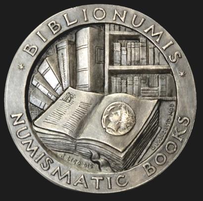 """La grande medaglia d'arte modellata dal maestro Loredana Pancotto e realizzata annualmente da Picchiani & Barlacchi per il Premio """"Biblionumis"""""""