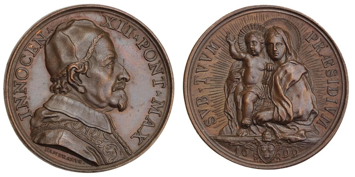 La versione in bronzo della medaglia esalta la plasticità del modellato specie sul rovescio, autentico capolavoro dell'incisore Giovanni Hamerani