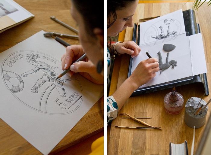 """Ringraziamo l'artista Chiara Principe per averci concesso queste inedite immagini del """"dietro le quinte"""" della moneta da 5 euro sammarinese 2021: a sinistra il disegno, a destra la modellazione in plastilina"""
