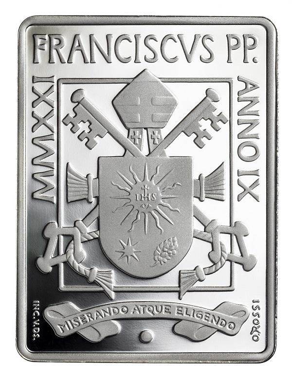 Il dritto della rivoluzionaria 25 euro in argento proof, rettangolare e policroma, che il Vaticano emette il 25 giugno per celebrare Caravaggio