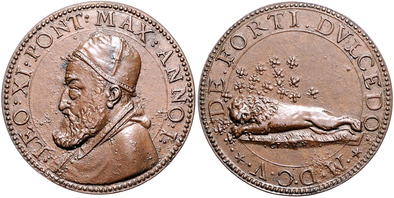 Lo stesso motto della moneta coniata a Ferrara ricompare su questa medaglia opera di Giorgio Rancetti coniata all'inizio del pontificato di papa Leone XI, nel 1605