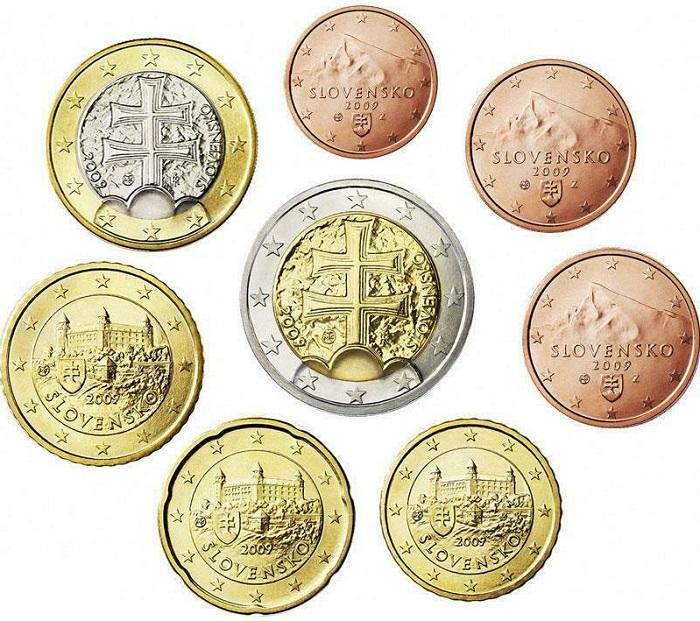 Le facce nazionali degli euro slovacchi: le monete da 1 e 2 eurocent, che forse verranno abolite nel 2022, raffigurano come quelle da 5 centesimi il monte Krivan